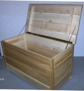 Munro's cedar chest 002 cropped